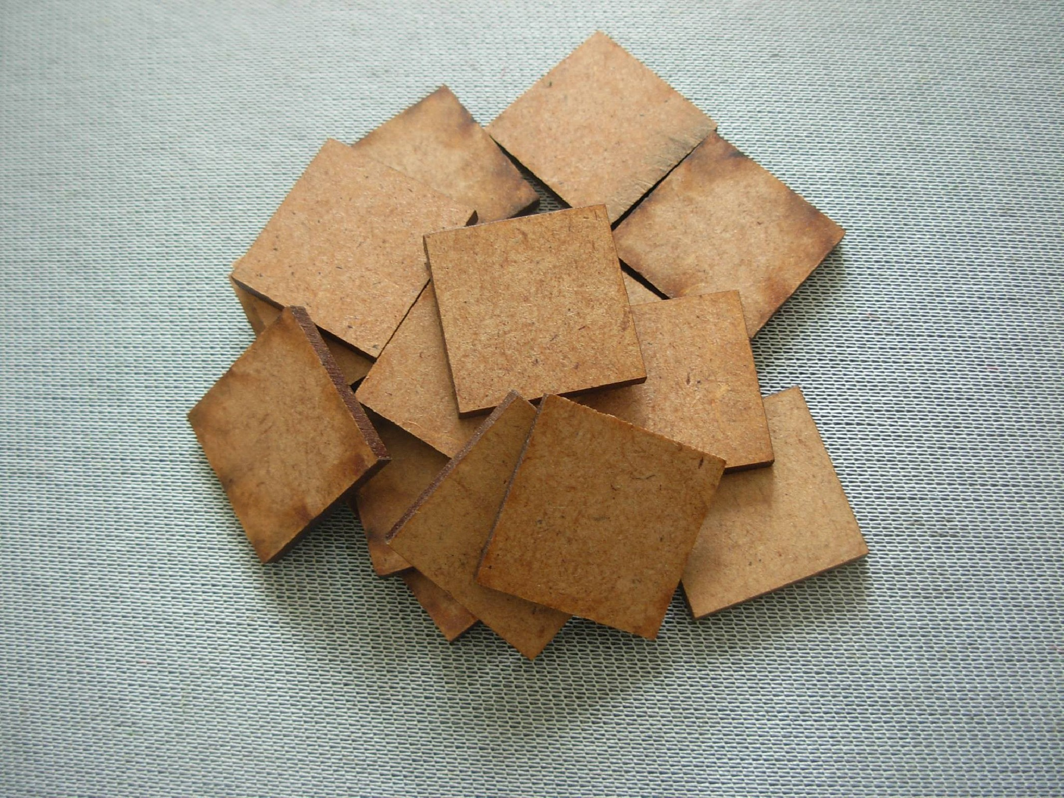 Square bases  25x25mm